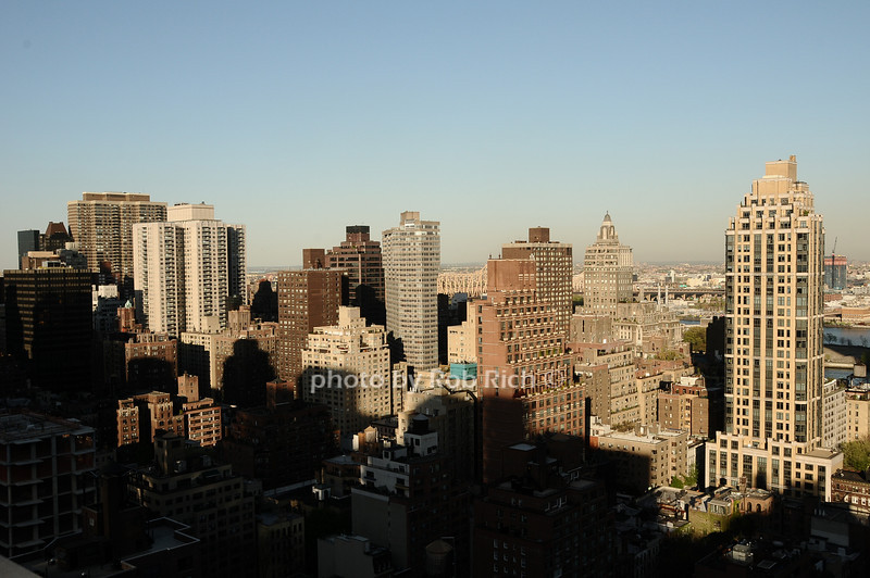 view from 255 East 49th.<br /> photo by Rob Rich © 2010 robwayne1@aol.com 516-676-3939