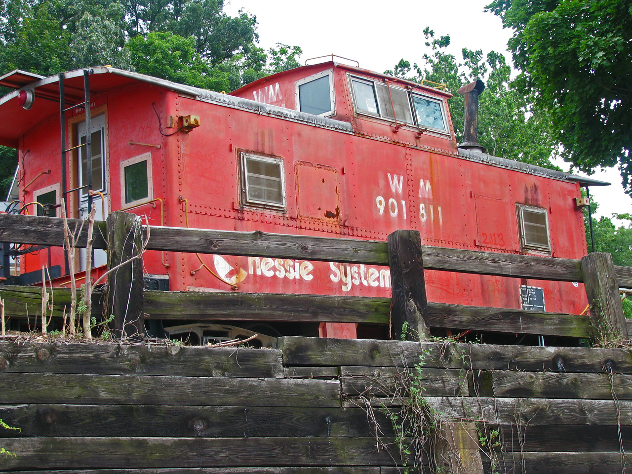 I hate that trains no longer are required to have a caboose!