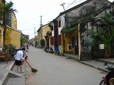 unique streets of hoi an