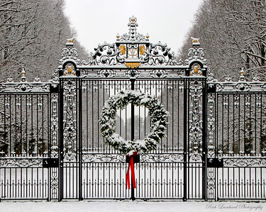 Christmas Wreath on gate at Old Westbury gardens. 2017