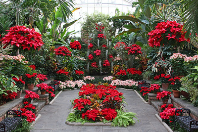 Planting Fields Arboretum decorated for the holiday season