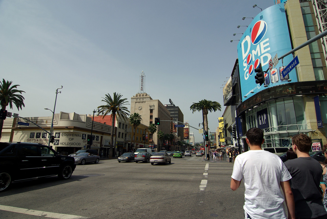 Getting close to the buisiest section of Hollywood Blvd (1)