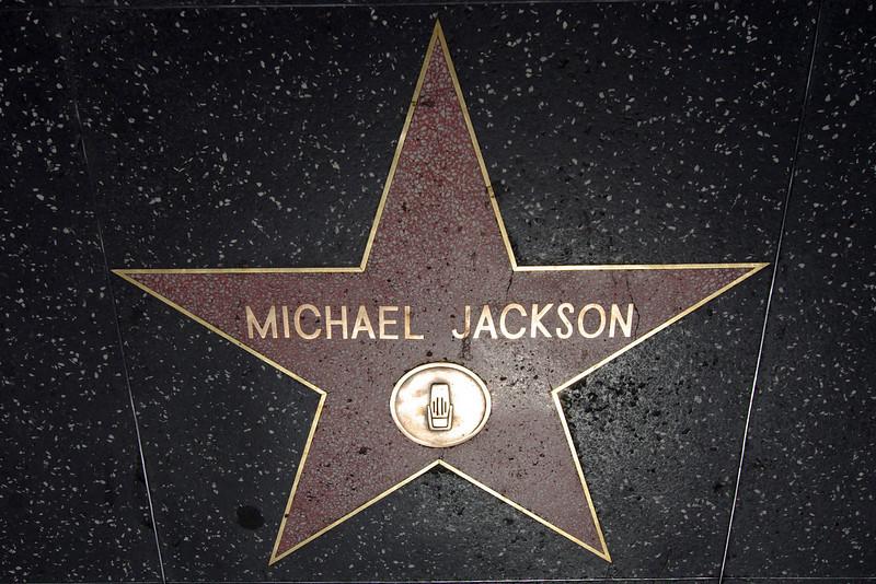 Michael Jackson Singing Star