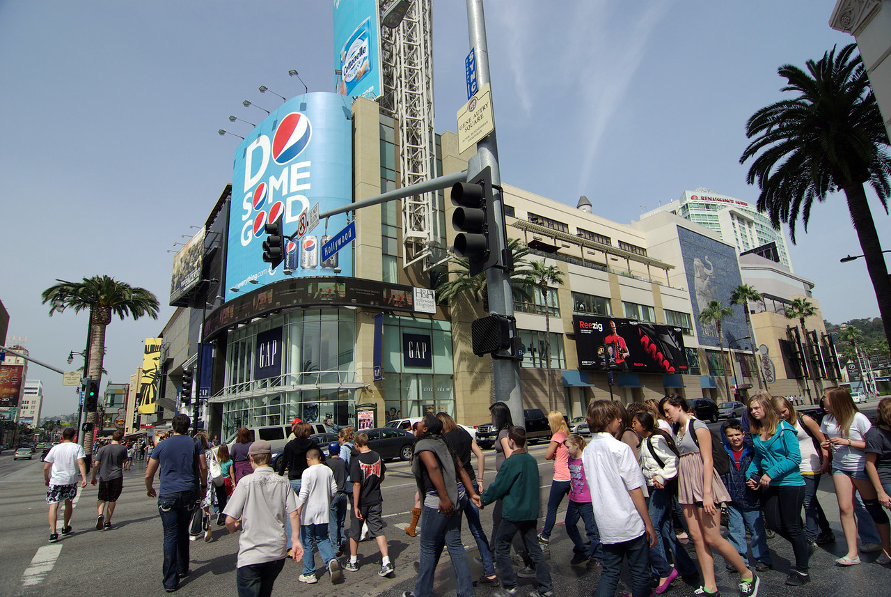 Getting close to the buisiest section of Hollywood Blvd (2)