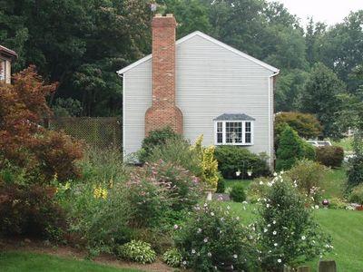 2005 08 16 Tuesday - Backyard neighbor