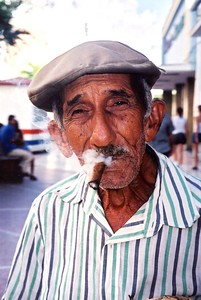 Smokin in  Cienfuegos
