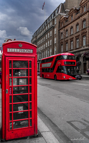 Uniquely British - Telephone booth and double decker bus