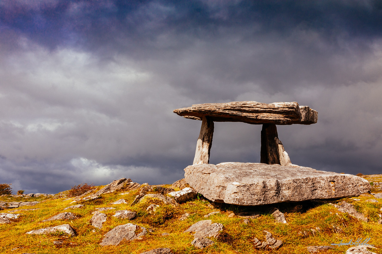 Poulnabrone Dolmen, the portal tomb, portal tomb