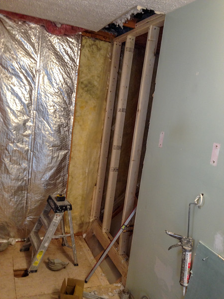 2018-02-15 (Day 3): Master bath. Shower wall support beams.