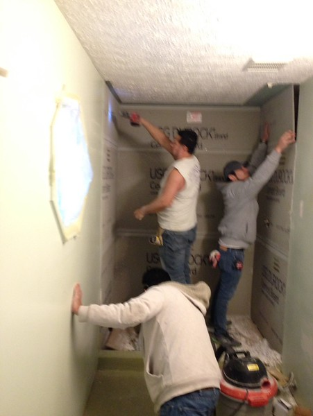 2018-02-19 (Day 5): Master bath. Durock walls installed.