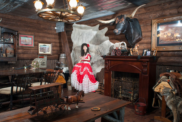 The town's namesake longhorn occupies a spot of honor above the fireplace in the Red Rose Saloon.