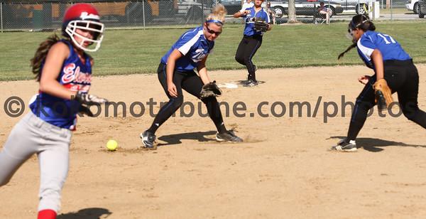 5-23-12<br /> Softball Sectional Tipton Vs Elwood HS<br /> <br /> KT photo | Tim Bath