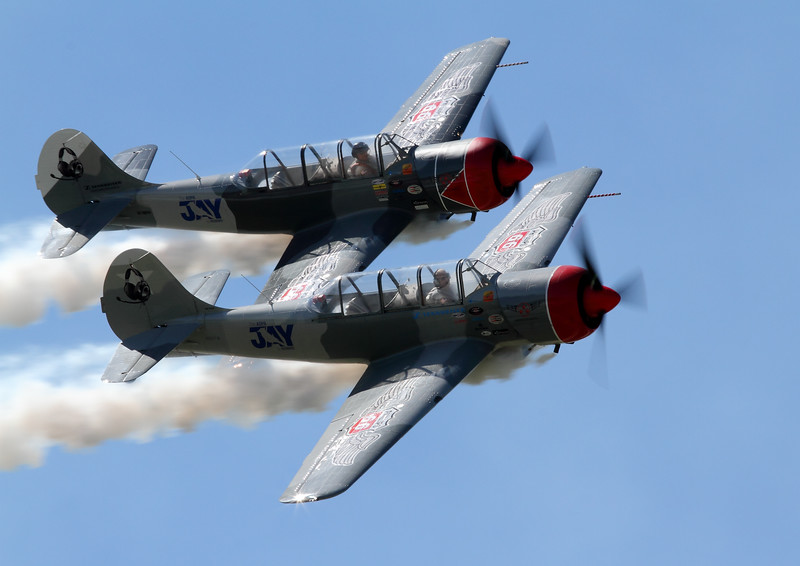 STARS in a tight 2 ship photo pass in front of the crowd at Wings Over Waukegan.