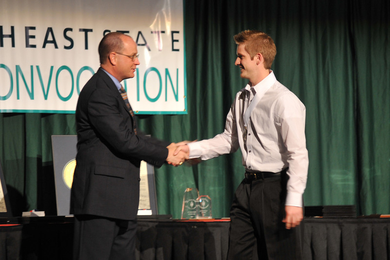Honors Convocation<br /> April 23 Ð 7 p.m.<br /> MeadowView Conference<br /> and Convention Center