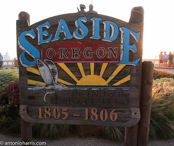 Donna Seaside sign-4352