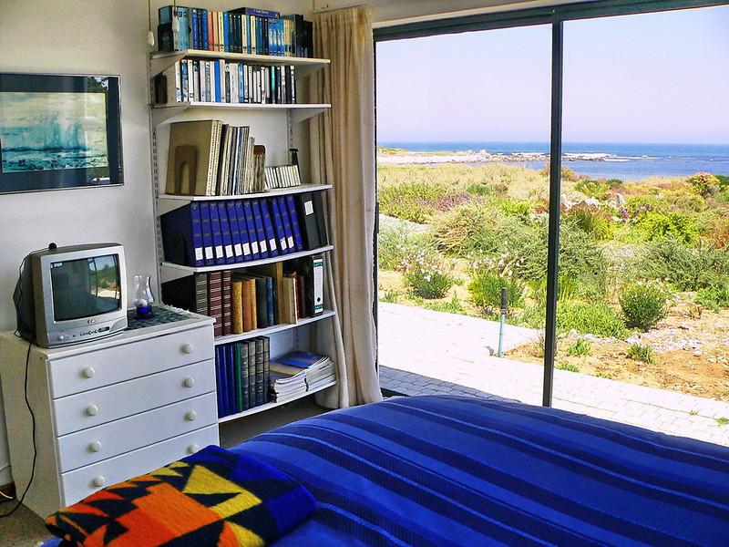 B8 Bedroom 2