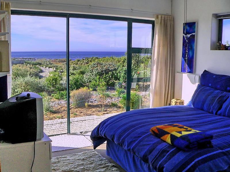 B9 Bedroom 3