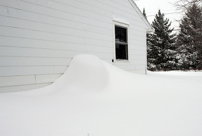 March 7, 2011 snowstorm brought around 2 feet of snow in 24 hours.