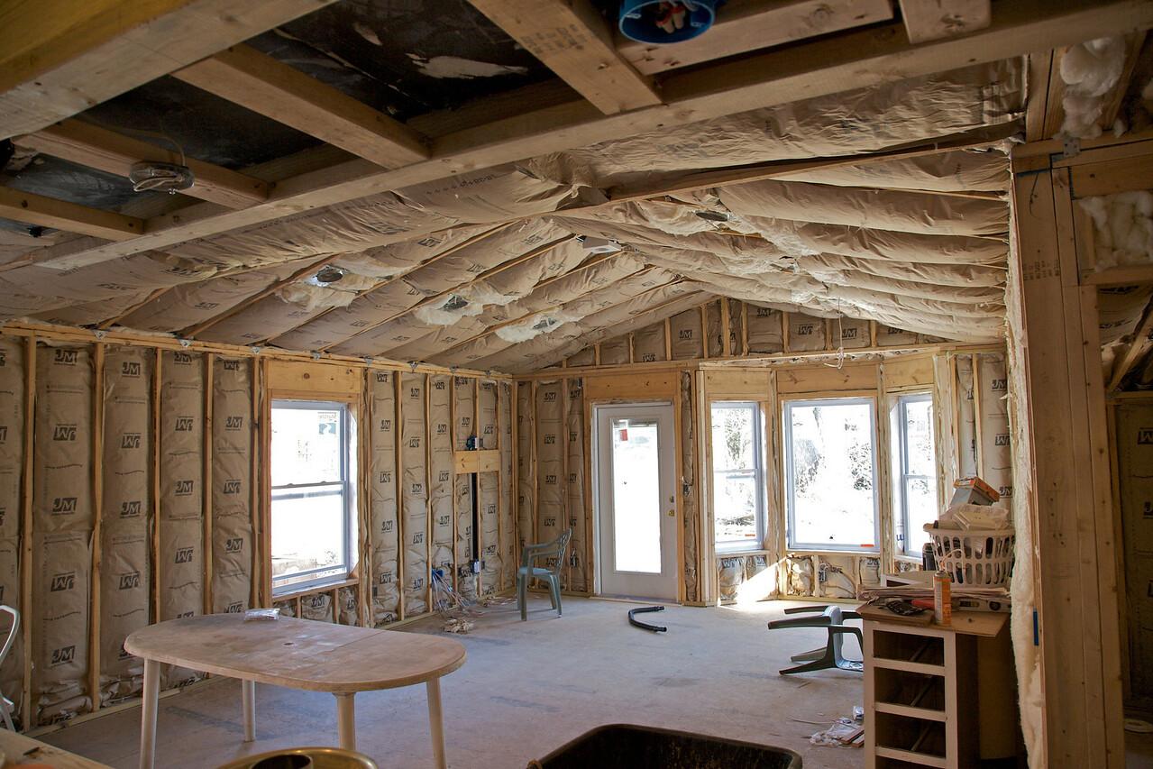 Nov 6 - Insulation installed!