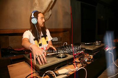 DJ Steve Aioki