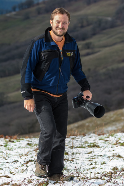 Samuel Price enjoying some raptor photography in a sprinkling of snow on Bald Hills Road, Humboldt County, California, January 2016. [Bald Hills 2016-01 014 Humboldt-CA-USA]