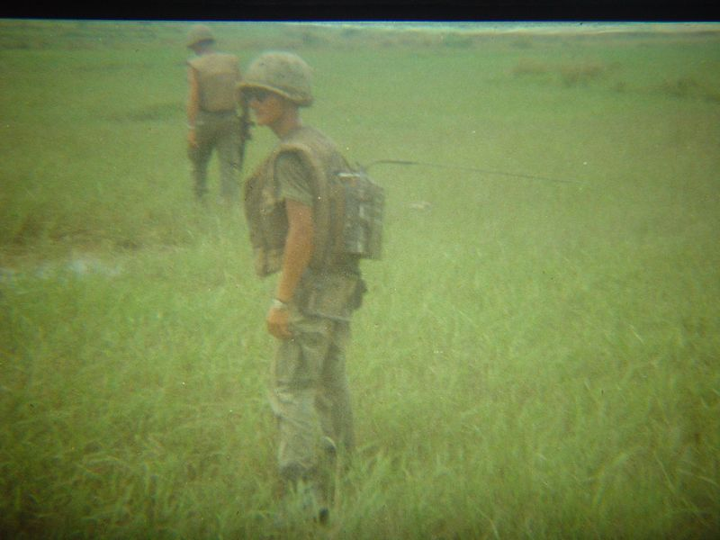 Papino, carrying the PRC-25 radio.