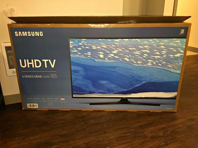 "Samsung 4K 50"" TV & Pedestal"