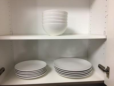 IKEA Fargrik 18 Piece Dinnerware Set - 6 of each plates/bowl