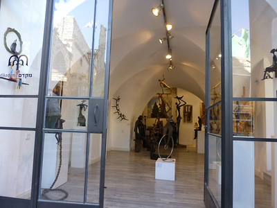 New, modern artist galleries in Tzfat