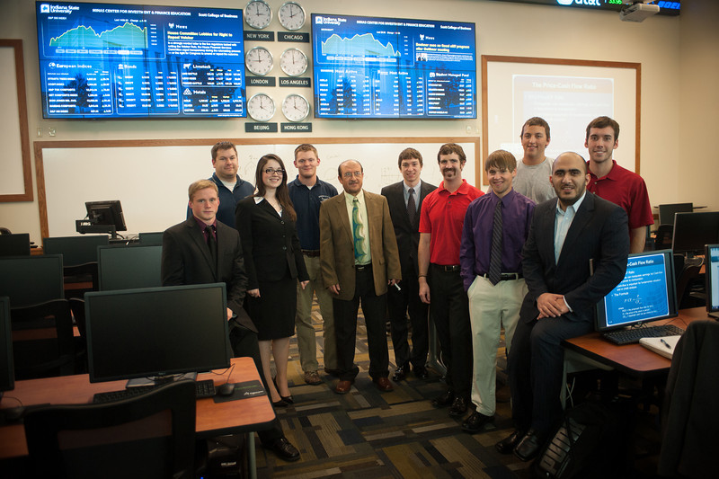 Investment Club meeting in the Minas Trading Room in the College of Business