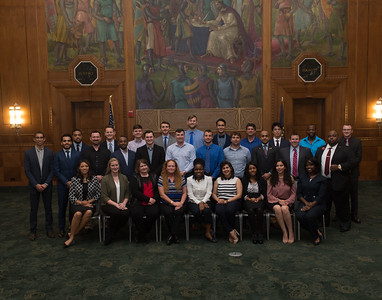 04_19_17_MBA_group_2017-2321