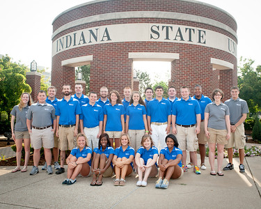 New Student Orientation staff at Oakley Plaza