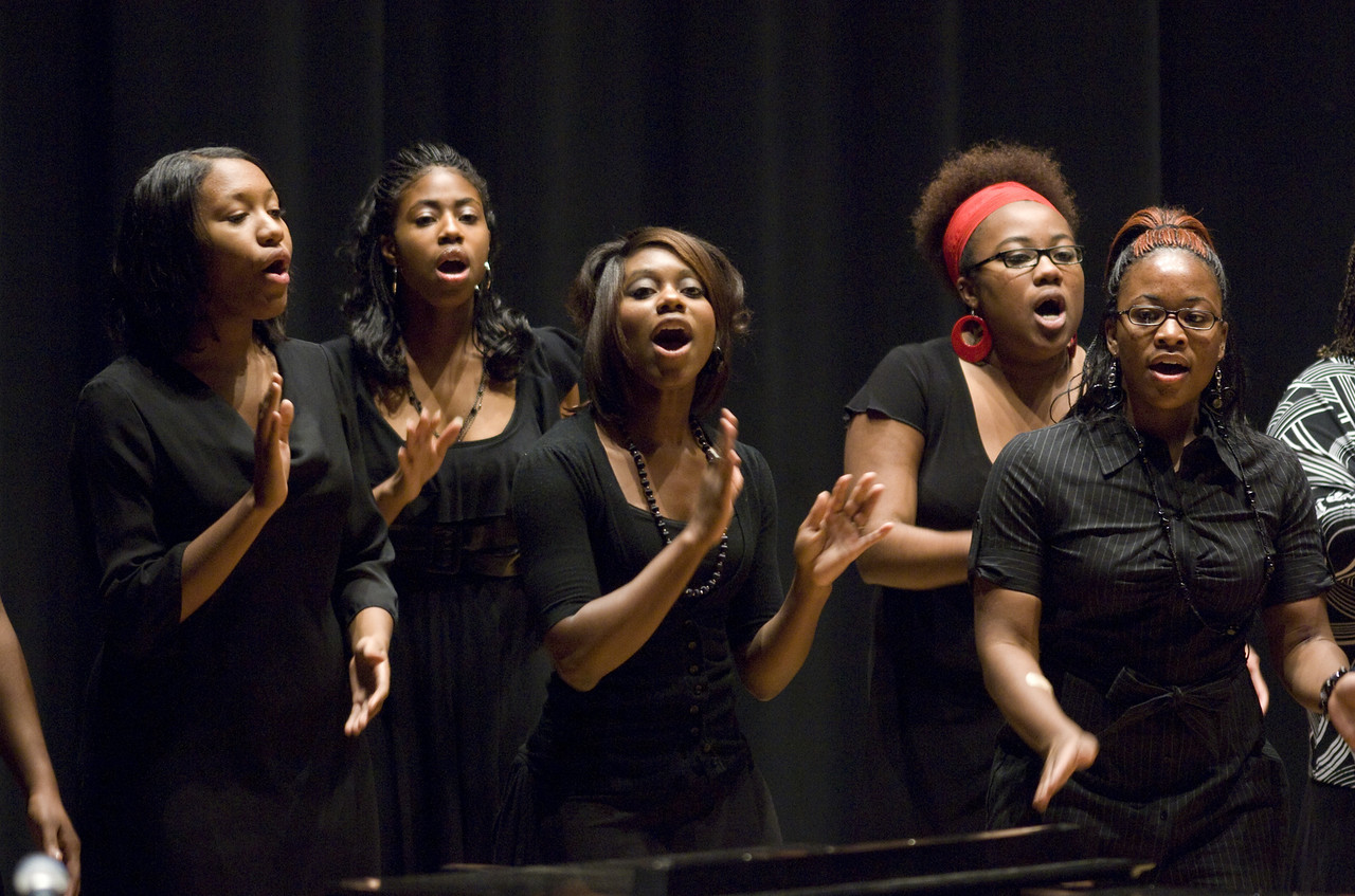 Ebony Majestic Choir performs at 2007 Miss Ebony