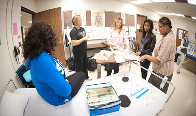 02_06_12_nursing_laboratory-4640