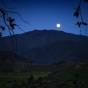 Moon Rise Mountain