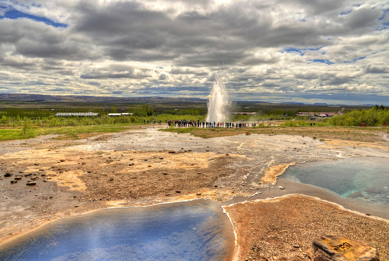 Geysir - Strokkur erupting