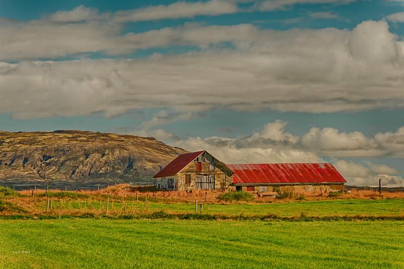 Abandoned farm building near Þingvellir National Park
