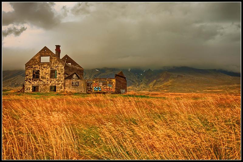 House near Snæfellsjökull mountain and glacier
