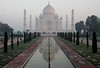early morning at the taj mahal