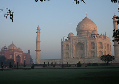early morning at the taj mahal and adjacent mosque