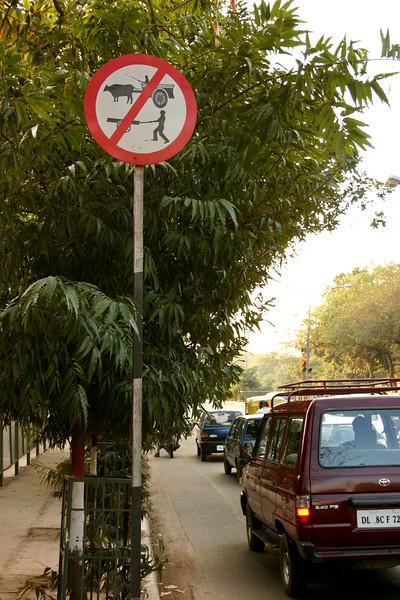 Traffic sign in Delhi