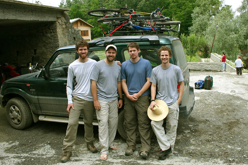 (l to r) Me, Charley, Jeff and Gabe, ready to head off in Srinagar. A friend dropped us off about 30 km out of town to start our ride.