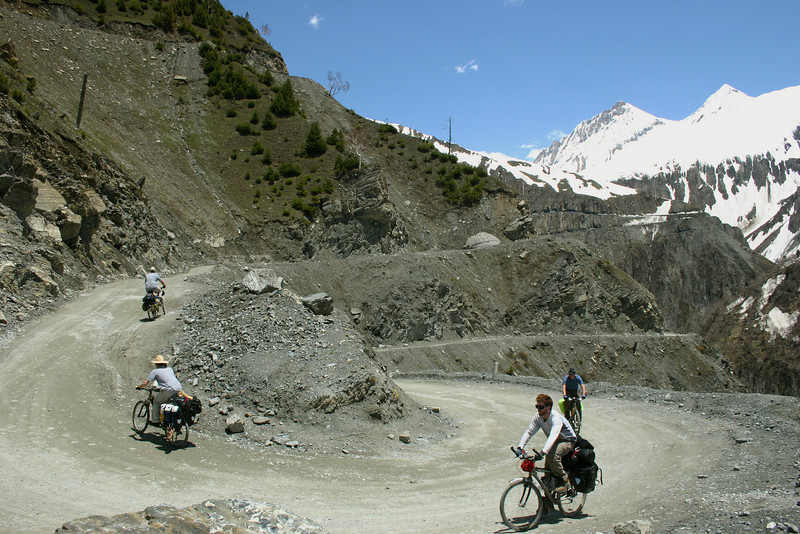 The climb up to the 11,575 ft Zoji La was gruelling, to say the least, with sheer drop-offs and spectacular scenery