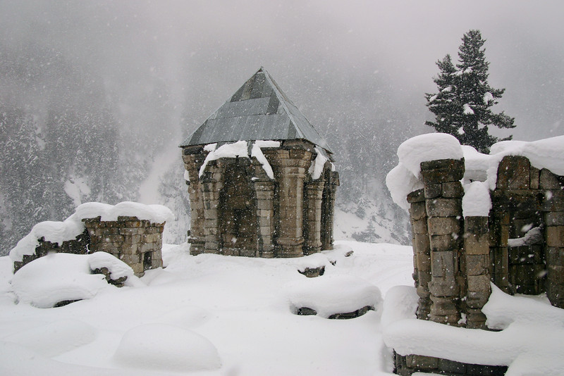 These ancient Hindu ruins in Muslim Kashmir date back over a thousand years