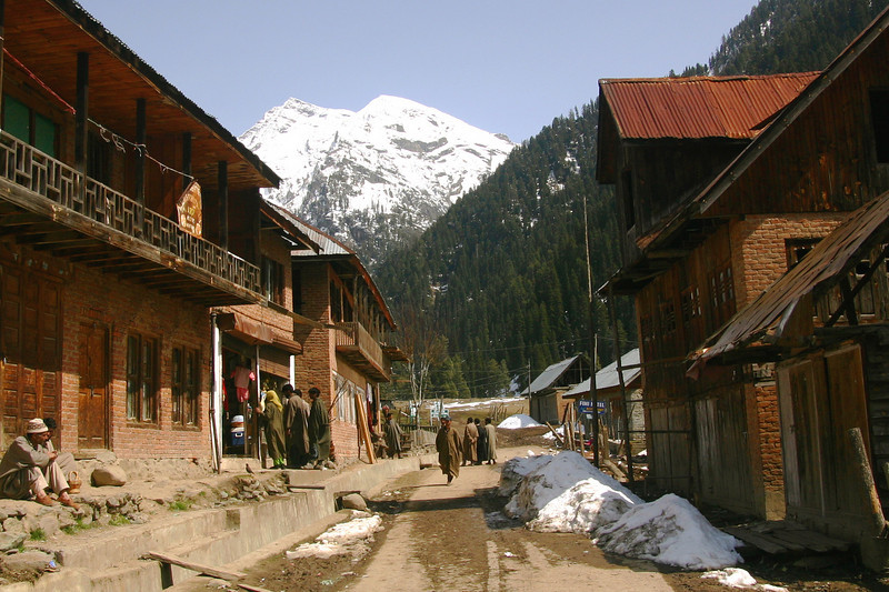 The village of Aru is picturesque in springtime