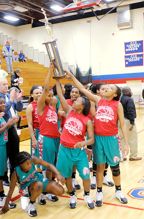 Don Knight / The Herald Bulletin<br /> Anderson faced Elwood in the Madison County Championship game on Tuesday.