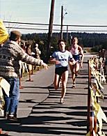 Individuals - Debbie Bowker barely outkicks Chris Garrett-Petts in an early 1980's 8K