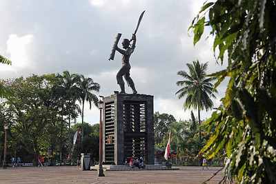 just arrived in ambon, maluku province. i'll be in ambon for 2 months. statue of local hero, pattimura.