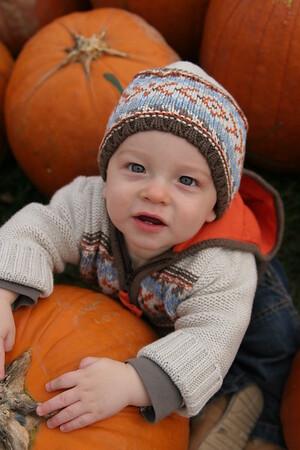 Noah & Holden at the Pumpkin Patch - October 17, 2007