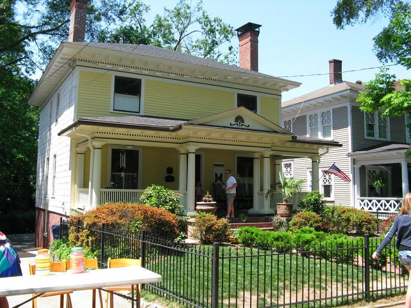 The house on Hurt Street where my mom grew up